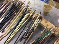 たくさんの種類の筆が並んでいます